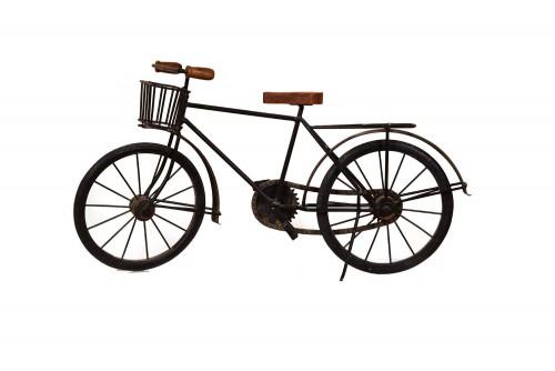 Varied  cycle decor item